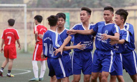THPT Tran Quoc Tuan va THPT Nguyen Thi Minh Khai vao chung ket - Anh 9
