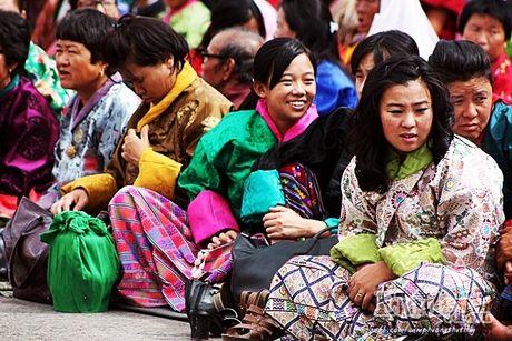 7 li do khien Bhutan la quoc gia hanh phuc nhat the gioi - Anh 3