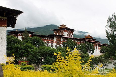 7 li do khien Bhutan la quoc gia hanh phuc nhat the gioi - Anh 6