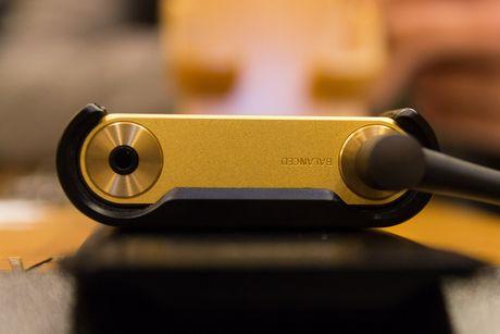 Tren tay bo nghe nhac cao cap nhat cua Sony gia 180 trieu - Anh 6
