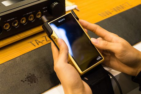 Tren tay bo nghe nhac cao cap nhat cua Sony gia 180 trieu - Anh 7