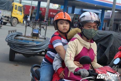 Xe 'may chem' dan hang ngang, 'dai nao' tinh lo Binh Duong - Anh 16