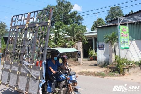 Xe 'may chem' dan hang ngang, 'dai nao' tinh lo Binh Duong - Anh 6