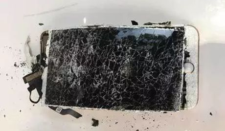 iPhone 7 Plus chay rui sau khi bi roi - Anh 3