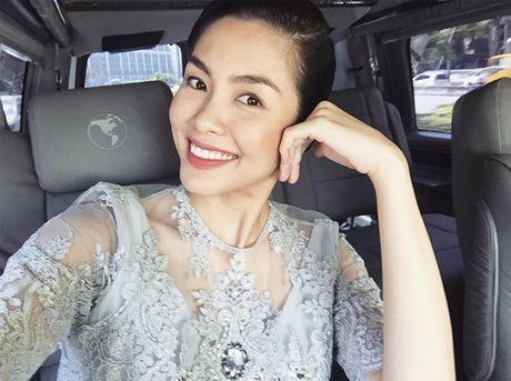 Facebook Sao: Elly Tran xuong bep tao moi quan he voi ekip, Ngoc Trinh ngu nuong cuoi tuan - Anh 10