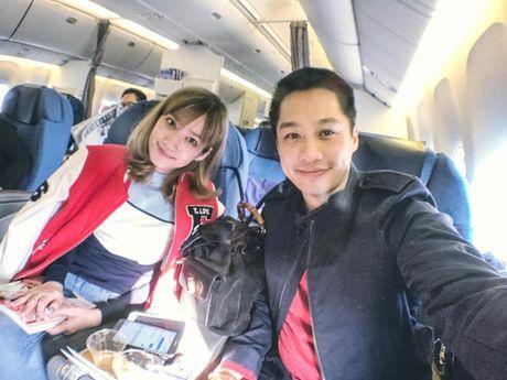 Facebook Sao: Elly Tran xuong bep tao moi quan he voi ekip, Ngoc Trinh ngu nuong cuoi tuan - Anh 2