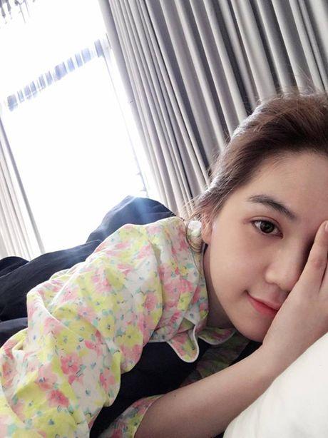 Facebook Sao: Elly Tran xuong bep tao moi quan he voi ekip, Ngoc Trinh ngu nuong cuoi tuan - Anh 6