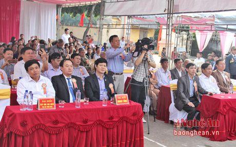 Pho Chu tich UBND tinh Le Xuan Dai du ngay hoi Dai doan ket o TX Thai Hoa - Anh 1
