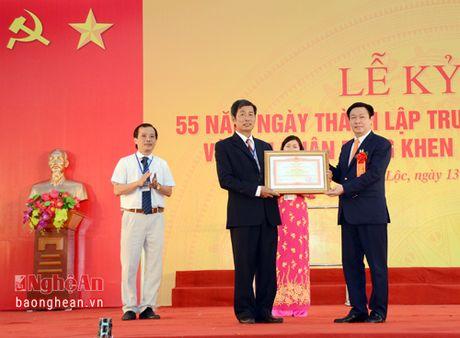 Pho Thu tuong Vuong Dinh Hue du le ky niem 55 nam thanh lap Truong Nguyen Duy Trinh - Anh 1