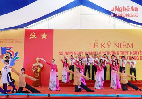 Pho Thu tuong Vuong Dinh Hue du le ky niem 55 nam thanh lap Truong Nguyen Duy Trinh - Anh 4