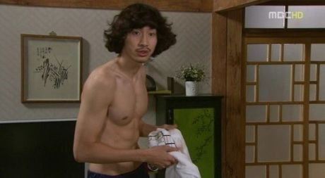 Fan dien dao truoc body 'hoan hao' cua ba anh em Kwang-Yoo-Kook nha Running Man - Anh 14