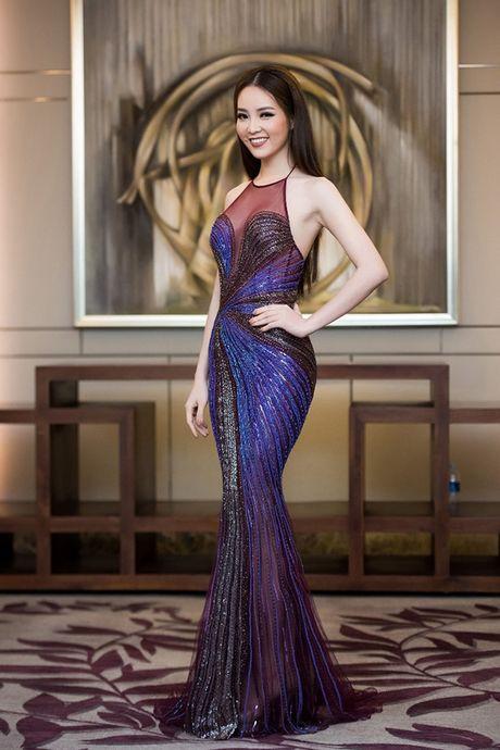 La Thanh Huyen tu tin khoe eo thon, do dang ben dan my nhan Viet - Anh 8