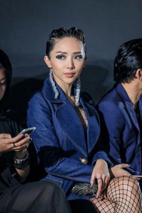 Toc Tien xuat hien cung mai toc doc la tren san khau concert Noo Phuoc Thinh - Anh 10