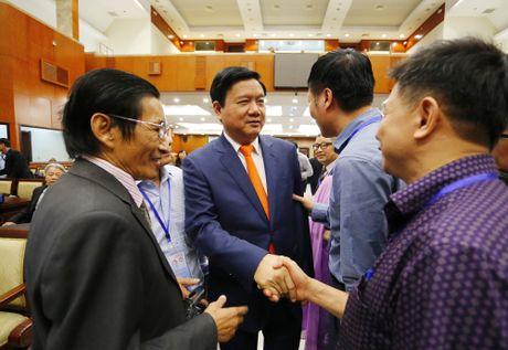 Bi thu Dinh La Thang: Sang kien kieu bao la 'ngan hang y tuong' cho TP.HCM - Anh 1