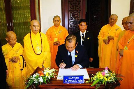 Pho Thu tuong vieng hoa thuong Thich Chon Thien - Anh 1