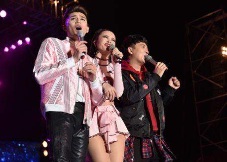 Ho Ngoc Ha di sieu xe len san khau live show Noo Phuoc Thinh - Anh 8