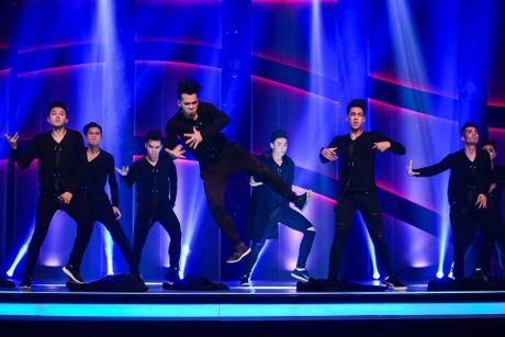 Quan quan Vietnam's Got Talent thi Thu thach cung buoc nhay - Anh 12