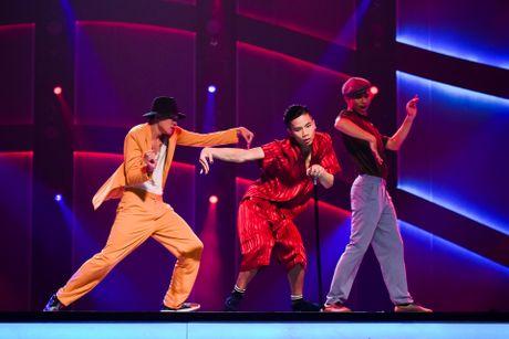 Quan quan Vietnam's Got Talent thi Thu thach cung buoc nhay - Anh 2