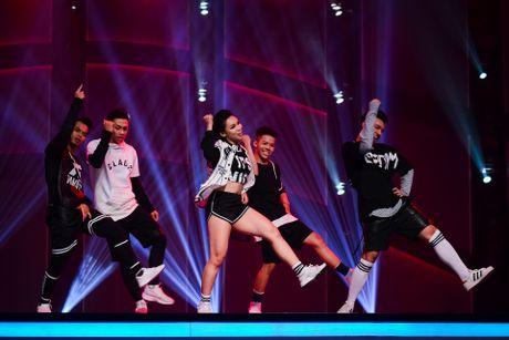 Quan quan Vietnam's Got Talent thi Thu thach cung buoc nhay - Anh 9