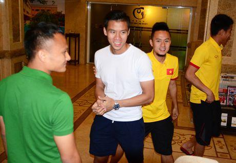 HLV Huu Thang loai 5 cau thu truoc them AFF Cup - Anh 1