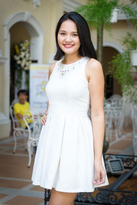 Hoa hau Huong Giang lan dau di su kien sau sinh - Anh 1