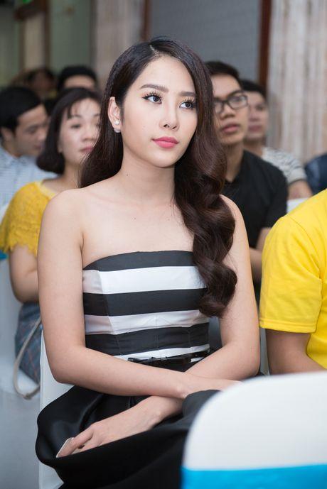 Hoa hau Huong Giang lan dau di su kien sau sinh - Anh 3