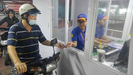 Nha de xe '5 sao' o san bay Tan Son Nhat - Anh 12