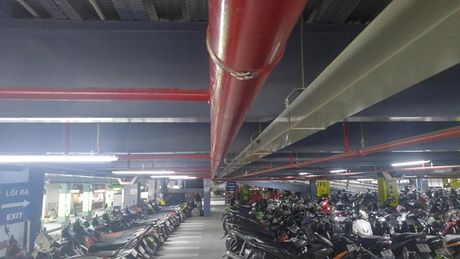 Nha de xe '5 sao' o san bay Tan Son Nhat - Anh 7