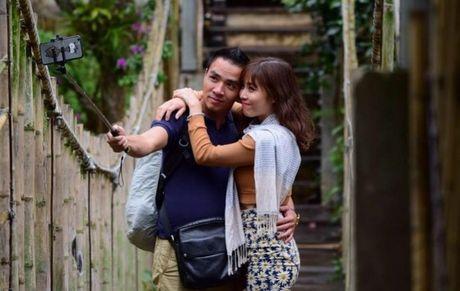 MC Hoang Linh: Ban trai moi la 'dai gia' - Anh 1