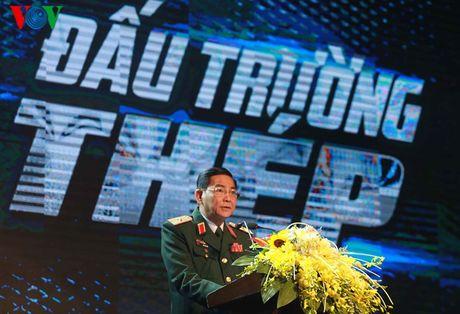 Nong bong cuoc chien cua cac nu quyen thu tai 'Dau truong thep' - Anh 1