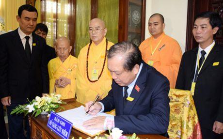 Pho Thu tuong Truong Hoa Binh vieng co Hoa thuong Thich Chon Thien - Anh 2