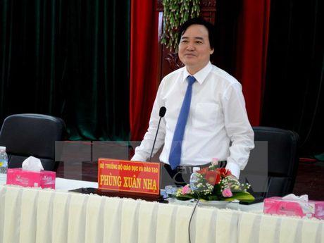 Bo Giao duc de nghi Ha Tinh lam ro viec dieu giao vien di tiep khach - Anh 1