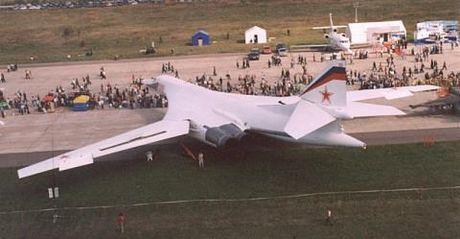 Nga san xuat Tu-160 voi he thong dien tu the he 5 - Anh 1