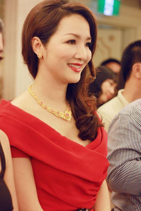 Soi hang hieu dang mo uoc cua hoa hau Den Hung Giang My - Anh 10