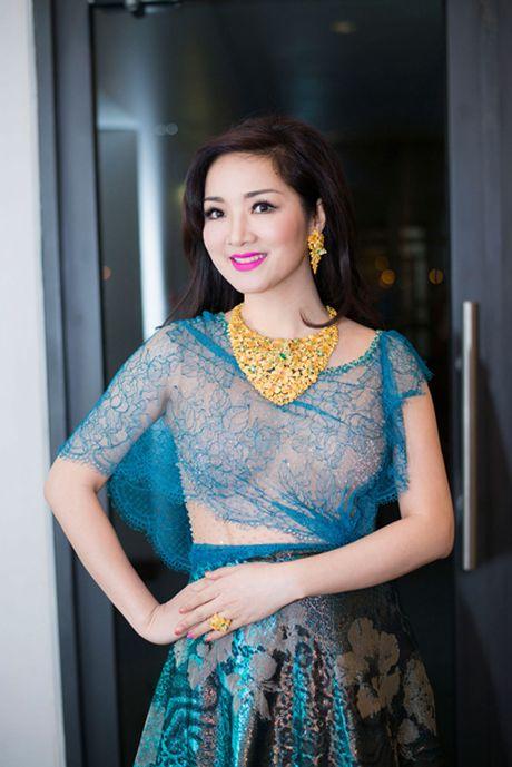 Soi hang hieu dang mo uoc cua hoa hau Den Hung Giang My - Anh 9