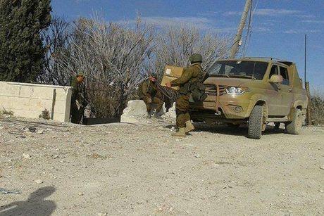 Bat ngo: Nga tung o to UAZ Patriot gan sung sang Syria - Anh 1