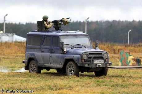 Bat ngo: Nga tung o to UAZ Patriot gan sung sang Syria - Anh 2