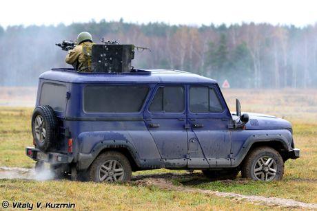 Bat ngo: Nga tung o to UAZ Patriot gan sung sang Syria - Anh 3