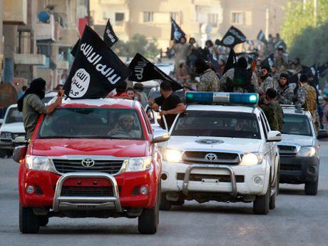 Bat ngo: Nga tung o to UAZ Patriot gan sung sang Syria - Anh 7