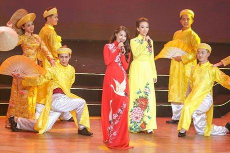 Nha Phuong bat ngo xuat hien hat cung Truong Giang - Anh 2