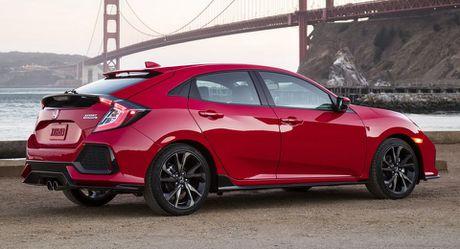 Honda Civic Sedan va ban hatchback khac nhau diem gi? - Anh 1
