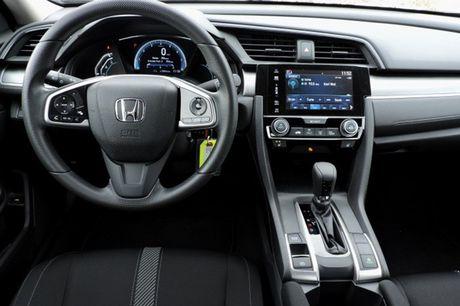 Honda Civic Sedan va ban hatchback khac nhau diem gi? - Anh 6