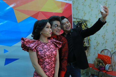 Viet Huong nguong mo truoc nhan sac 'tre mai khong gia' cua Quang Minh - Anh 6