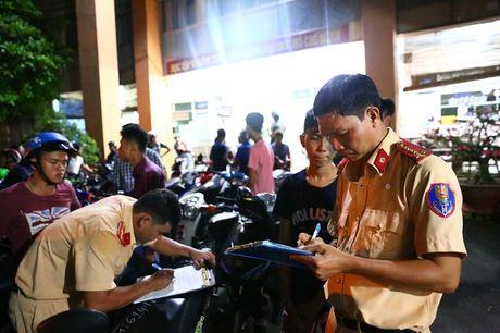 Tam giu phuong tien cua 52 'quai xe' nao loan duong pho - Anh 2