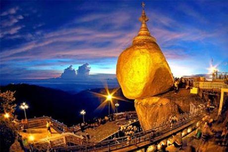 Kham pha Chua Golden Rock tren dinh Kyaikhtiyo - Myanmar - Anh 1