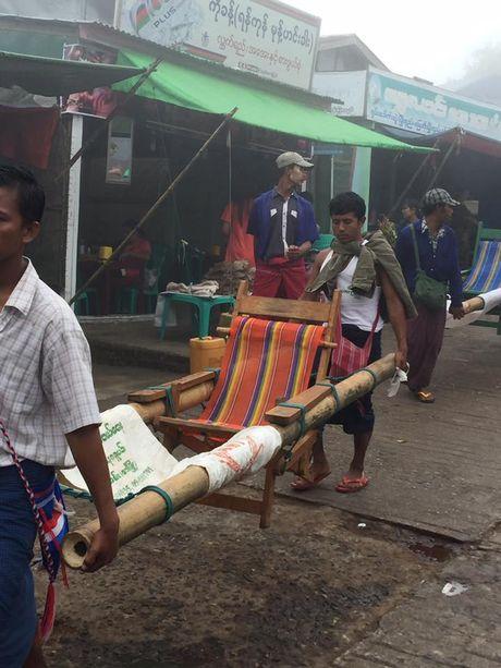 Kham pha Chua Golden Rock tren dinh Kyaikhtiyo - Myanmar - Anh 4