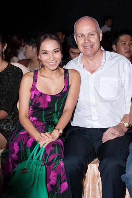 Nhung my nhan Viet 'kem sac' nhung van lay duoc chong Tay dai gia - Anh 5