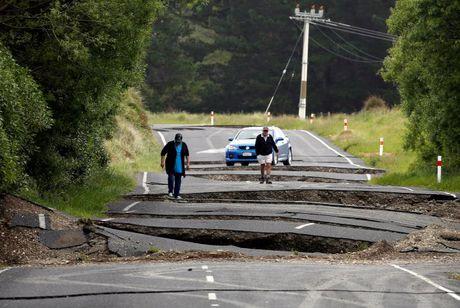 Nua ngay sau dong dat, New Zealand lai rung chuyen kinh hoang - Anh 1