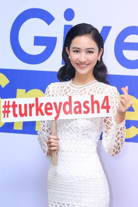 Top 8 Miss Earth Nam Em vai tran quyen ru - Anh 10