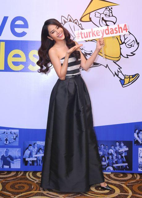 Top 8 Miss Earth Nam Em vai tran quyen ru - Anh 3